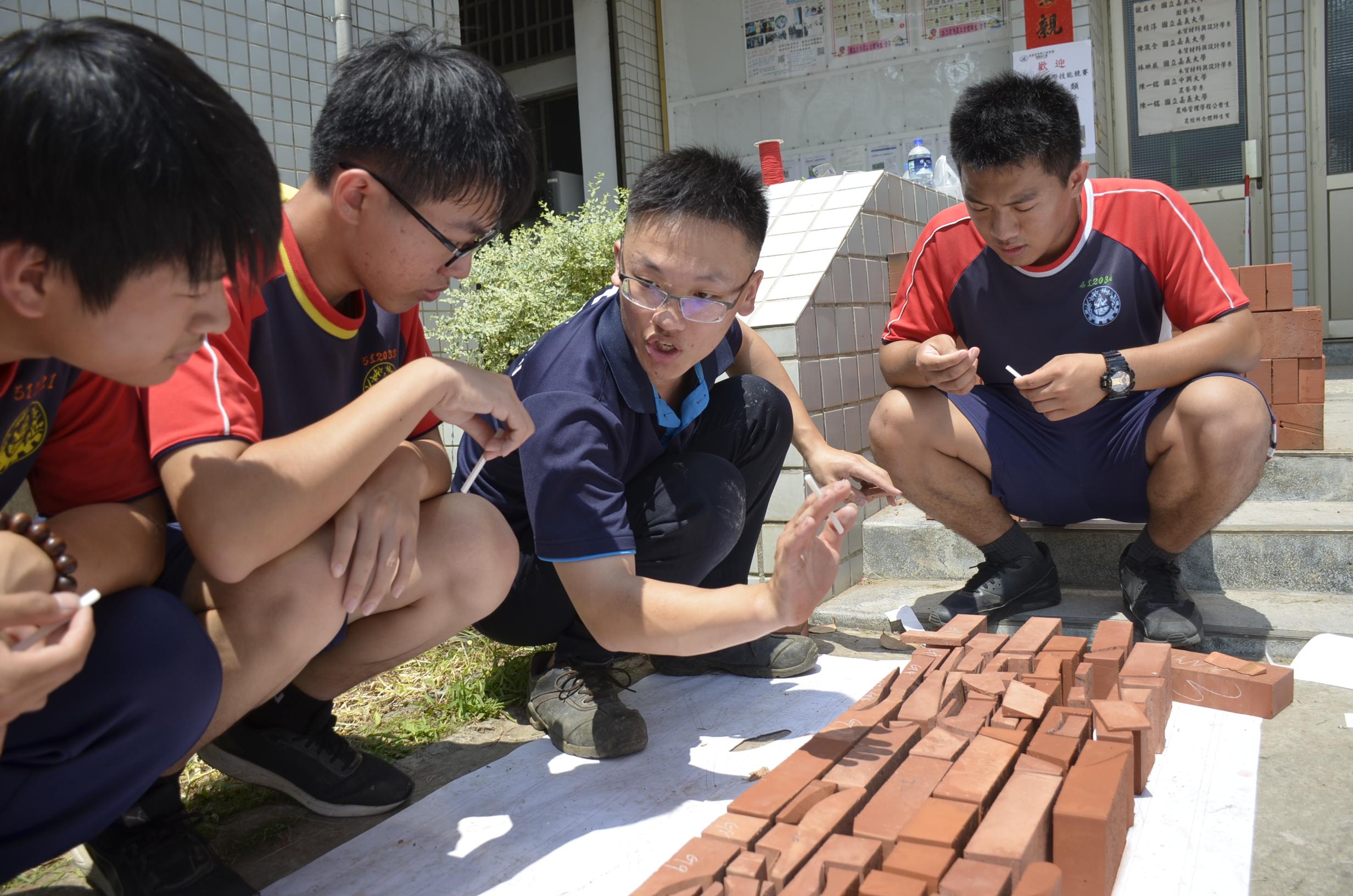 技能國手分享經驗 鼓勵學子勇敢追夢