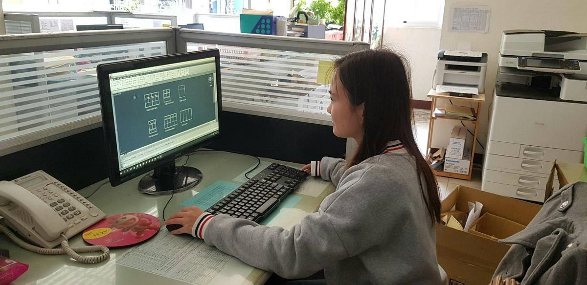 琬蓁結訓後成為電腦繪圖設計員。